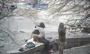 Sexe voyeur avec une putain dans la rue