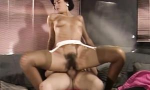 Meilleure compilation d'un vieux porno avec filles poilues