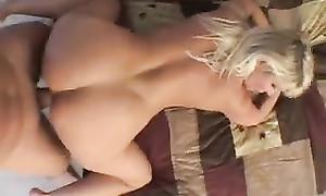 Vidéo amateur du sexe avec une mature de 50 ans